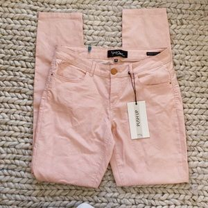 NWT Yes Diss Push up rose Jeggins